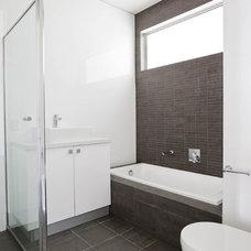 Contemporary Bathroom by SPECTRA BUILDING DESIGNERS