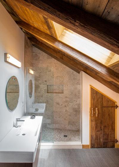 Farmhouse Bathroom by Silver Maple Construction LLC