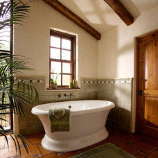 Rustic Bathroom by DD Ford Construction, Inc