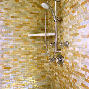 Example of a trendy corner shower design in Los Angeles