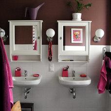 Contemporary Bathroom by Praktyczne i Piękne