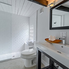 Midcentury Bathroom by House & Homes Palm Springs Home Staging