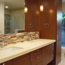 modern bathroom by Home Systems , Wendi Zampino