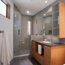 Modern Bathroom by Siegman Associates, Inc.