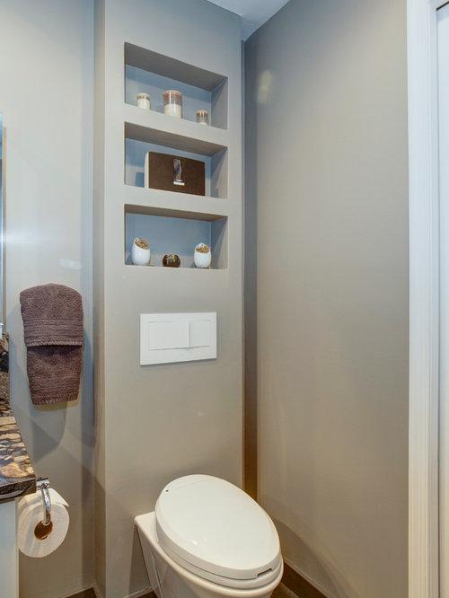 Salles de bains et wc avec des portes de placard blanches for Plaque de porte wc et salle de bain