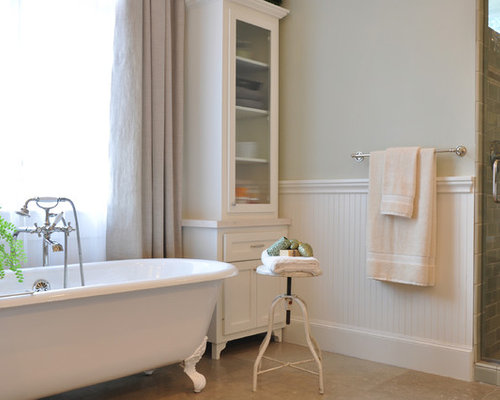 Inspiration for a timeless bathroom remodel in Houston with a claw ...