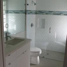 Modern Bathroom by Farrar Construction & Design
