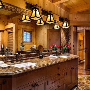 Esempio di una grande stanza da bagno padronale stile rurale con ante con riquadro incassato, ante in legno scuro, piastrelle grigie, piastrelle in ceramica, pareti grigie, pavimento con piastrelle in ceramica e top in granito
