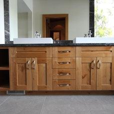 Rustic Bathroom by Tm builders