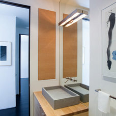 Modern Bathroom by Jennifer Weiss Architecture