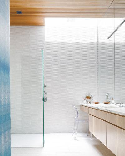 Modern Bathroom by Leonid Furmansky Architectural Photographer