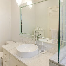 Modern Bathroom by Modern Craft Construction, LLC