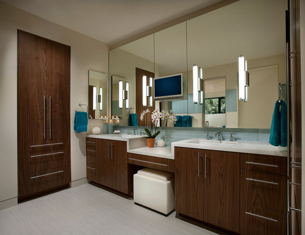 Southwestern Bathroom by Link Architecture, PC