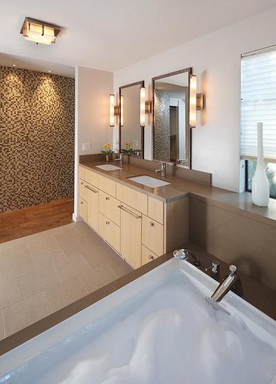Modern Bathroom by Amy A. Alper, Architect
