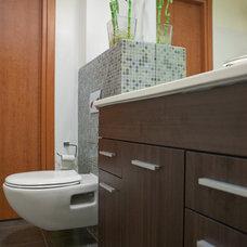 Modern Bathroom by Pratim Studio