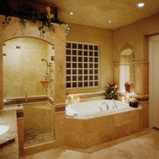 Traditional Bathroom by Hilsabeck Design Associates, Inc.
