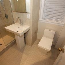 Modern Bathroom by Design Build 4U Chicago