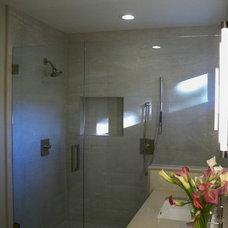 Modern Bathroom by Yoko Oda Interior Design