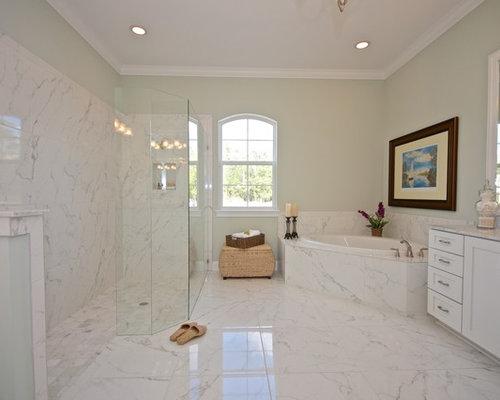 Jacksonville Bathroom Design Ideas Renovations Photos With A Corner Bath