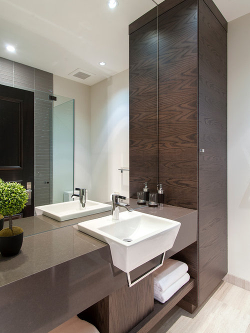 Mirrored Linen Cabinet Design Ideas & Remodel Pictures | Houzz