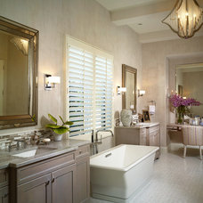 Tropical Bathroom by London Bay Homes