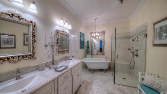 Antique Traditional Bathroom