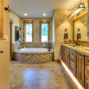 Immagine di una stanza da bagno stile americano