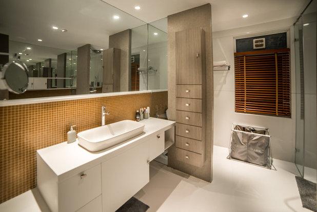 Contemporary Bathroom by Moriq