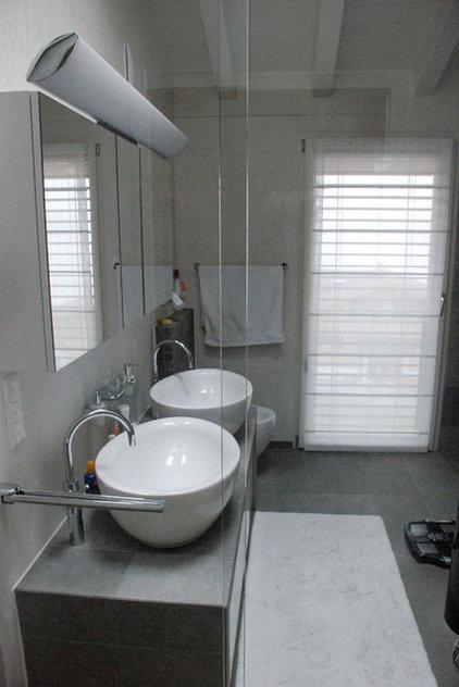 Modern Bathroom by Jules van de Ven