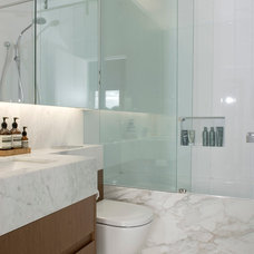 Modern Bathroom by Bayview Design Group Australia