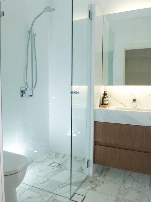 duschb der mit toilette mit aufsatz sp lkasten in sydney. Black Bedroom Furniture Sets. Home Design Ideas