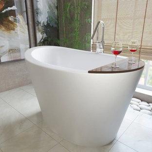 Imagen de cuarto de baño principal, asiático, pequeño, con bañera japonesa