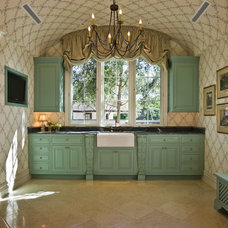 Traditional Bathroom by PHX Architecture