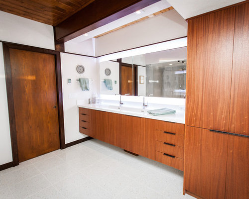 mid century badezimmer mit terrazzo boden ideen design. Black Bedroom Furniture Sets. Home Design Ideas