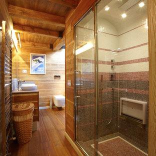 シドニーの大きいラスティックスタイルのおしゃれなバスルーム (浴槽なし) (中間色木目調キャビネット、コーナー設置型シャワー、壁掛け式トイレ、無垢フローリング、ベッセル式洗面器) の写真