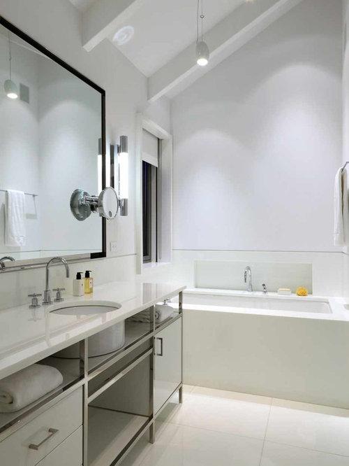 Architectural digest bathroom design ideas remodels photos for Architectural digest bathroom designs