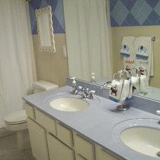 Traditional Bathroom Argyle Painted Kids Bathroom