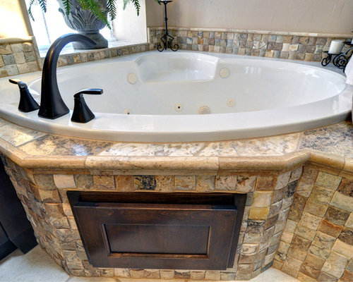Corner jacuzzi tub houzz for Bathroom jacuzzi decor