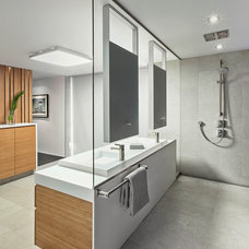 Contemporary Bathroom by Taylor Smyth Architects