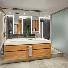 Contemporary Bathroom by Taylor Smyth Architects