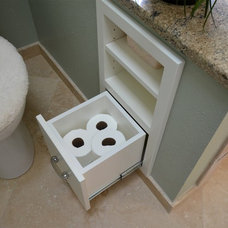 Beach Style Bathroom by Dale's Remodeling