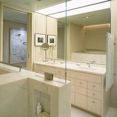 Contemporary Bathroom by GEMMILL DESIGN architectural studio