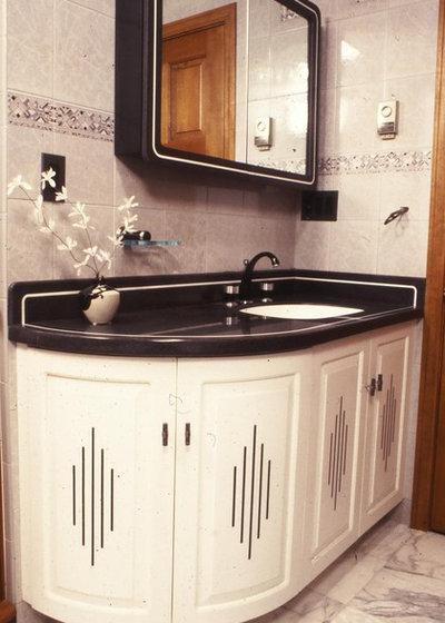 Eclectic Bathroom Art Deco anyone?