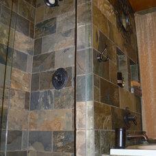 Bathroom by Artcraft Granite, Marble & Tile Co.