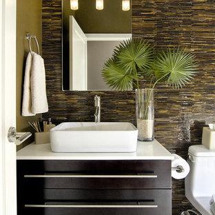 Example of a minimalist bathroom design in San Diego