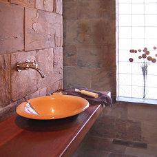 Modern Bathroom by mark rusconi architects