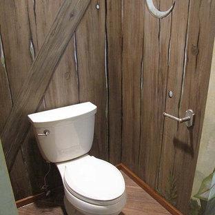 На фото: ванная комната в стиле фьюжн