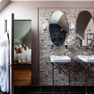 Example of a trendy master bathroom design in Surrey with a pedestal sink