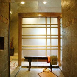 Imagen de cuarto de baño principal, de estilo zen, con armarios tipo mueble, puertas de armario de madera clara, ducha abierta, baldosas y/o azulejos multicolor, baldosas y/o azulejos de pizarra, lavabo sobreencimera, encimera de cobre y ducha abierta