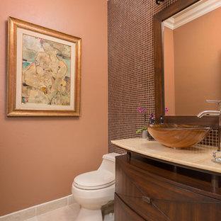 Imagen de cuarto de baño con ducha, de estilo zen, de tamaño medio, con puertas de armario de madera en tonos medios y baldosas y/o azulejos rojos